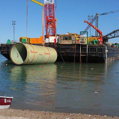 CENAL Termik Santrali Projesinde DN4000 ve DN3800'lük Deniz Hattı Boruları Montajı