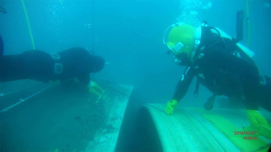 Superlit Marine LUG – GRP Pipe Installation under the sea